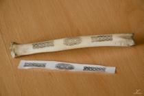 Obtisk na srnčí holení kosti.
